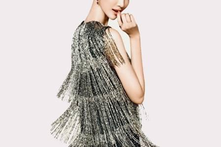 2020秋冬流行趋势是什么 BurberryDiorPrada都爱经典流苏和内衣外穿