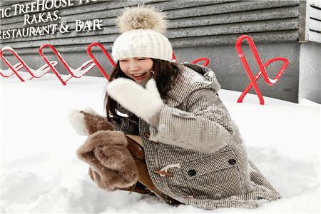 北方姑娘冬季时髦穿搭攻略,19年最流行羽绒服的款式介绍
