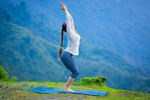 产后女性身材走形心情抑郁,瑜伽三招帮助你走出困境