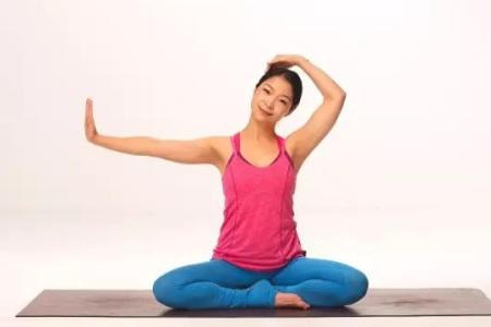孕妇在怀孕初期练瑜伽,可以预防便秘还可以避免晨吐