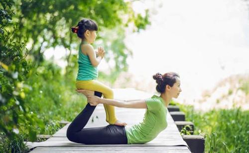 健身达人孙俪的亲子瑜伽,让妈妈和孩子更亲密