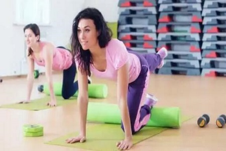 教你三种瘦腿瑜伽,越练越痩