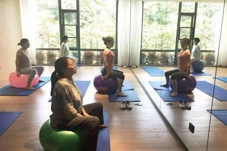 产后瑜伽修复有用吗,最适合产后妈妈的四个瑜伽动作