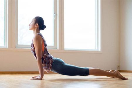 薄背显瘦显年轻,这几个瑜伽体式了解一些