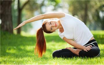 腿型难看没有气质?瑜伽帮你
