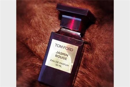 成熟女人必备香水,性感香味带来卓越气质