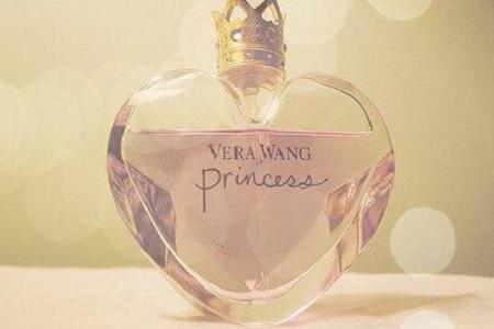 女性对于香水是完全不懂的状态,那要怎样选购香水呢?