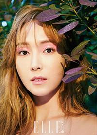 "Jessica郑秀妍拍摄美妆大片 风格迥异明艳动人"""