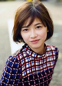 日本女星渡边理佐写真 印花长裙演绎成熟女性
