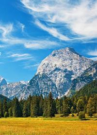 秀丽河山大自然绿色风景图片