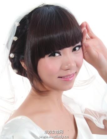 珍珠发夹点缀短发发型可爱极了