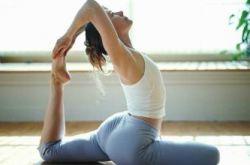 四式瘦腿瑜伽动作 筷子腿不再是梦想