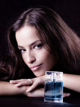 香水使用需要分场合 淡香浓香要适宜