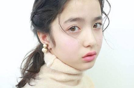 兔子眼妆美过水原希子 12岁日法混血模特颜值逆天