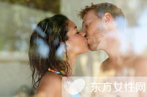情侣间爱爱只需6招就能激发女人体内性欲