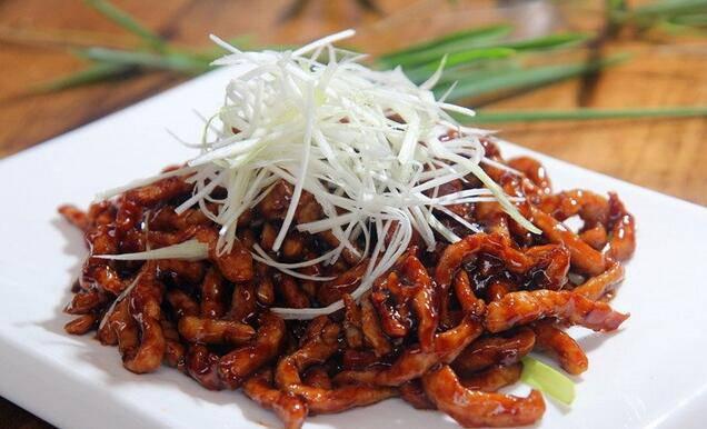 四川酱肉丝的地道做法 风味独特口感极佳