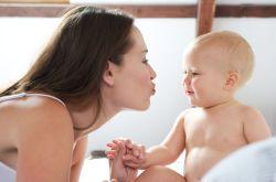 哺乳期发烧怎么办  哺乳期发烧能喂奶吗