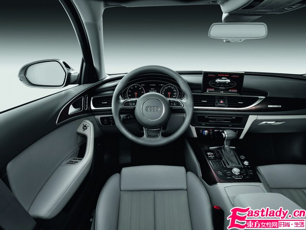 AUDI新A6导入混合动力车型 营造出跑车般动感气息