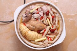 怀孕期间吃什么好 天麻炖鸽子补肝益肾