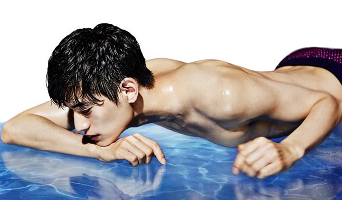 韩国男星金泰焕肌肉写真 大秀身材引迷妹舔屏