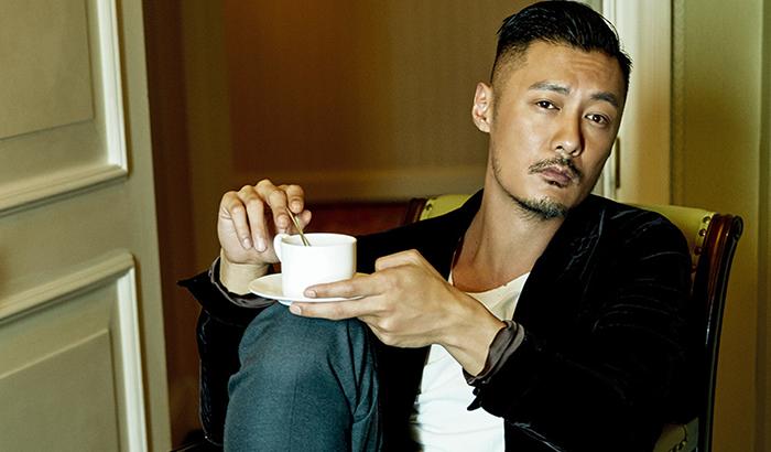 余文乐杂志封面大片 酷感造型尽显熟男魅力